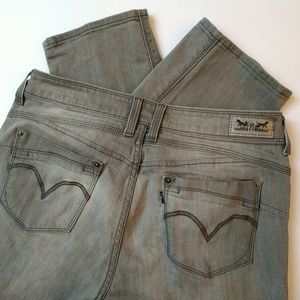 Levis Skinny Shaping Jeans size 10 Ash Gray 31 L